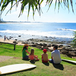 Surfing at Moffat Beach - Picture Tour